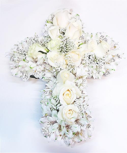 cruz de rosas blancas 2 500x603 1