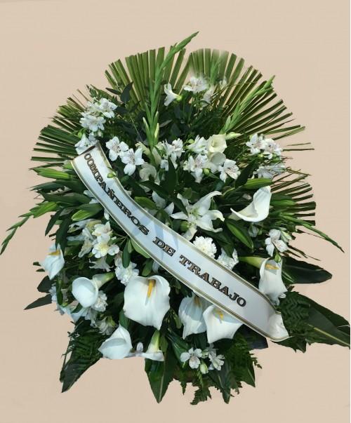 palma clásica con flores de estación 500x603 1